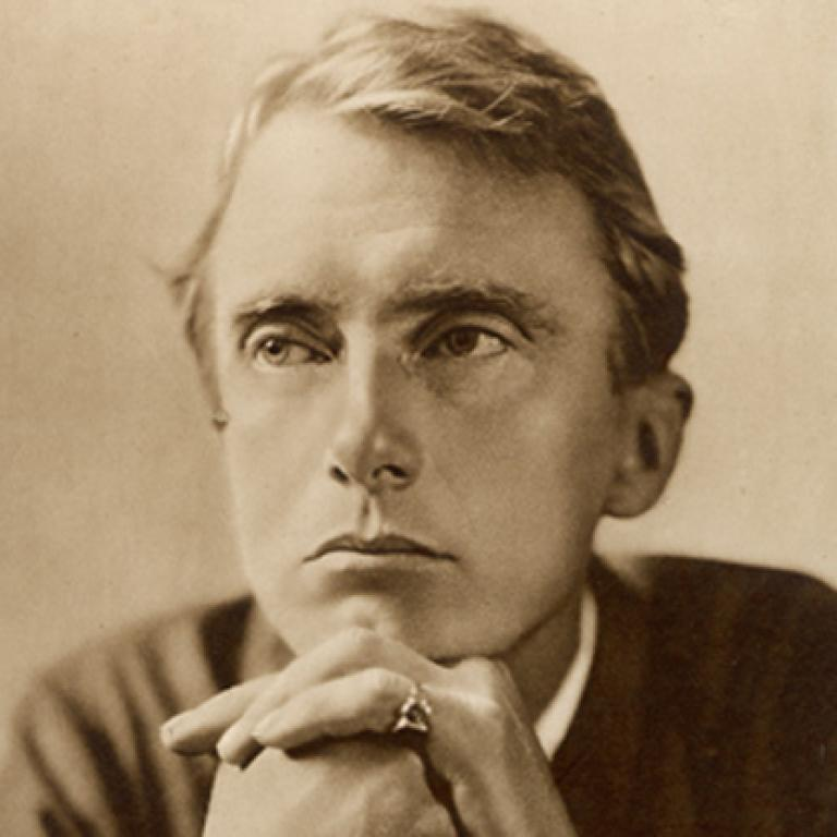 rain by edward thomas essay Thomas expresses the view that he is 'half in love with pain' in various poems, particularly 'melancholy' and 'rain' in both of these poems he seems to resent his troubles but also appreciates them in a rather unusual way.